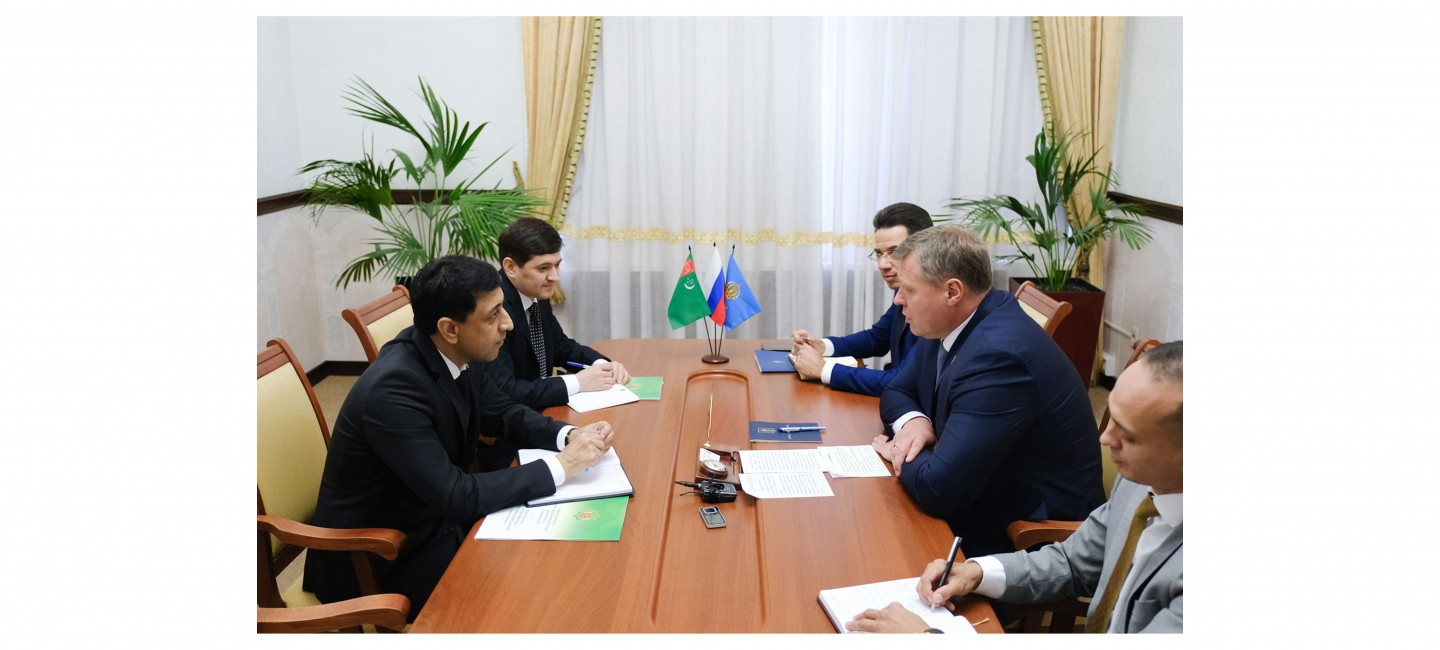 THE CONSUL OF TURKMENISTAN HANDED OVER A COPY OF THE CONSULAR EXEQUATUR TO THE GOVERNOR OF THE ASTRAKHAN REGION